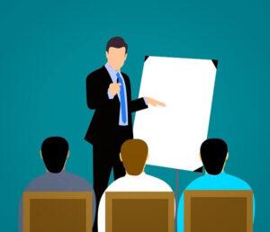 Teacher coaching students | 7 Best Characteristics of a Good Coach | krescon.com